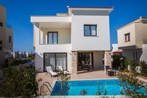3 bedroom self catering beach villa with private pool