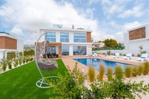 Coral elite residence 11. Luxury 4 bedroom en-suite holiday villa with private pool and hot tub jacuzzi.